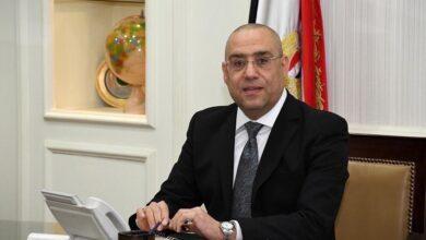 وزير الإسكان جارٍ الانتهاء من الهيكل الخرساني وبدء التشطيبات لـلوحدات السكنية و التجارية